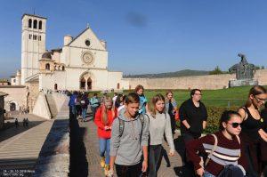 181025113702_Assisi